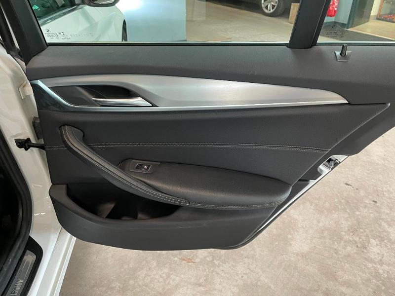 Photo 11 de l'offre de BMW Serie 5 Touring 530dA xDrive 265ch Business Steptronic à 29900€ chez Dugast automobiles
