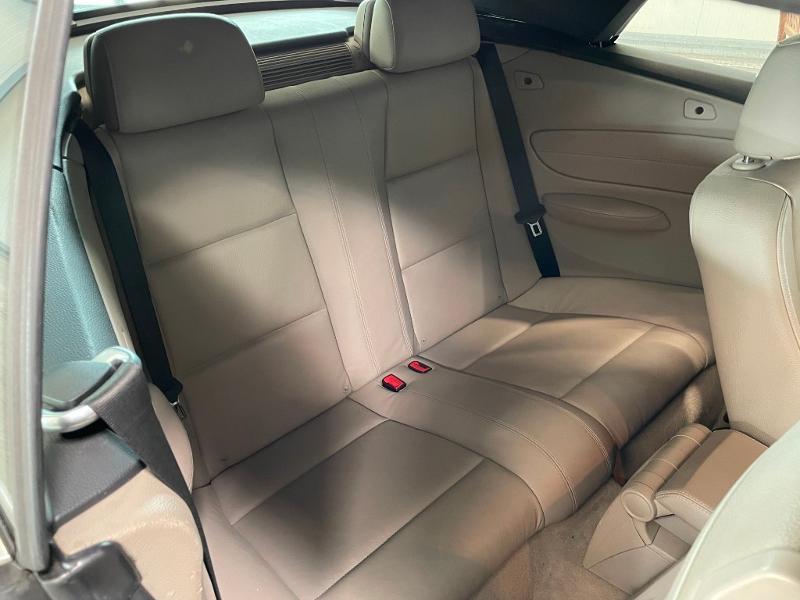 Photo 7 de l'offre de BMW Serie 1 Cabriolet 120dA 177ch Luxe à 11900€ chez Dugast automobiles