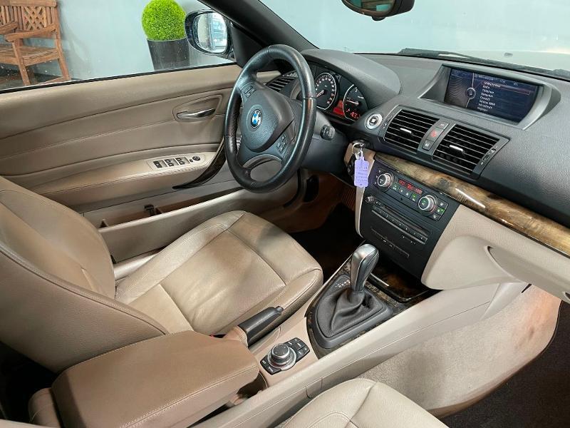 Photo 5 de l'offre de BMW Serie 1 Cabriolet 120dA 177ch Luxe à 11900€ chez Dugast automobiles