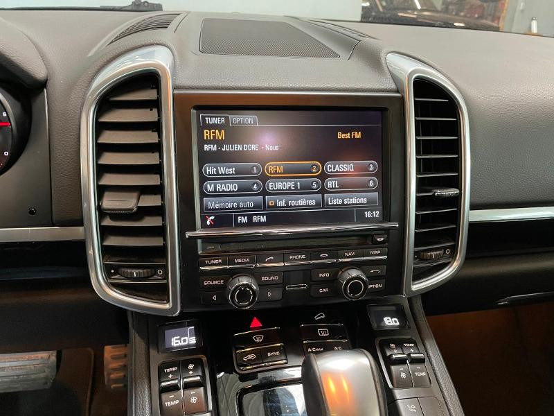 Photo 18 de l'offre de PORSCHE Cayenne Diesel Platinum Edition à 32900€ chez Dugast automobiles