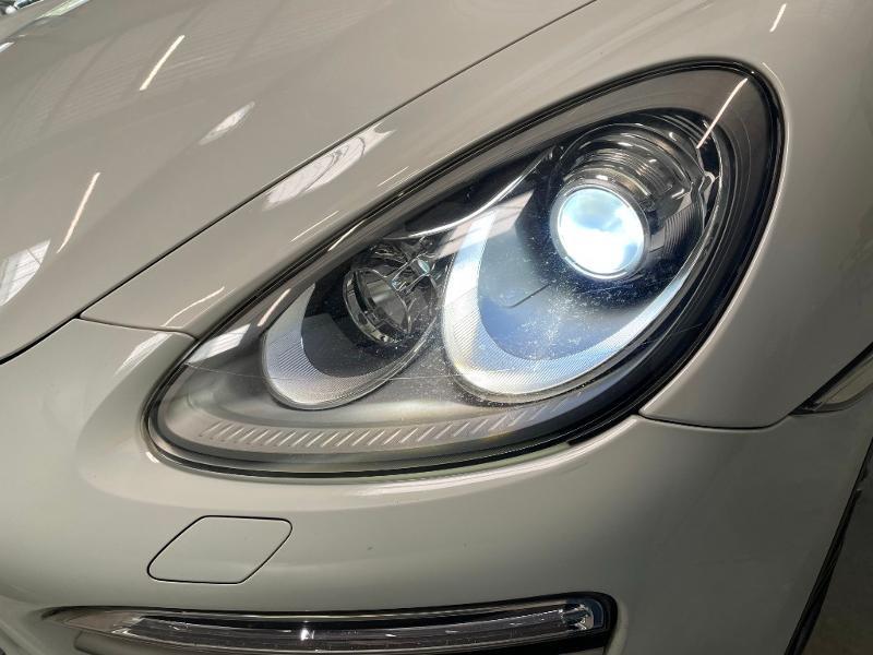 Photo 22 de l'offre de PORSCHE Cayenne Diesel Platinum Edition à 32900€ chez Dugast automobiles