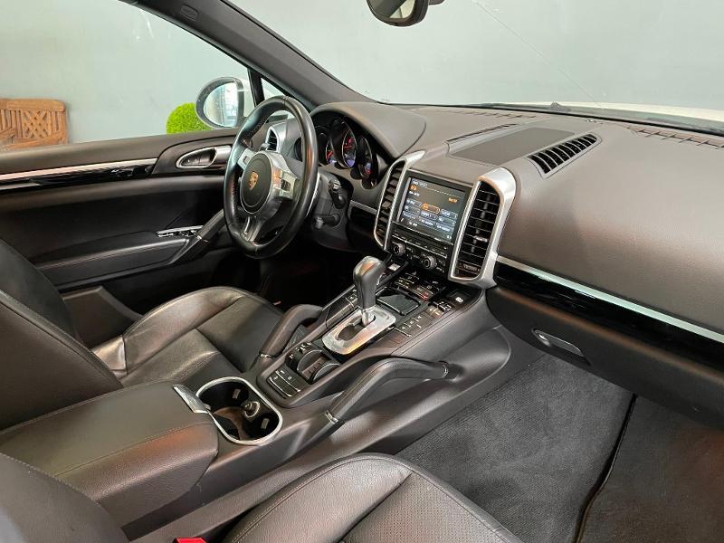 Photo 5 de l'offre de PORSCHE Cayenne Diesel Platinum Edition à 32900€ chez Dugast automobiles