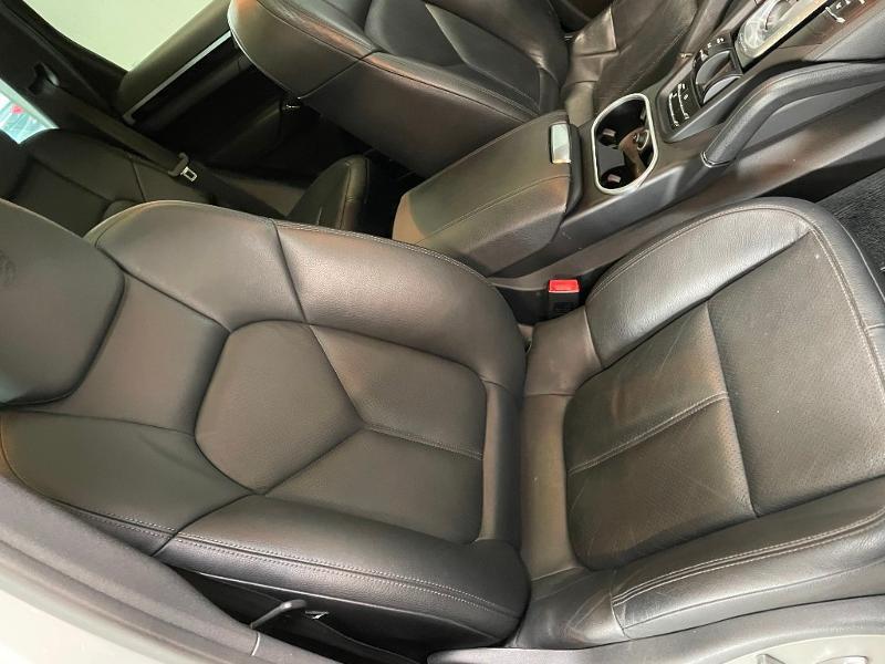 Photo 6 de l'offre de PORSCHE Cayenne Diesel Platinum Edition à 32900€ chez Dugast automobiles