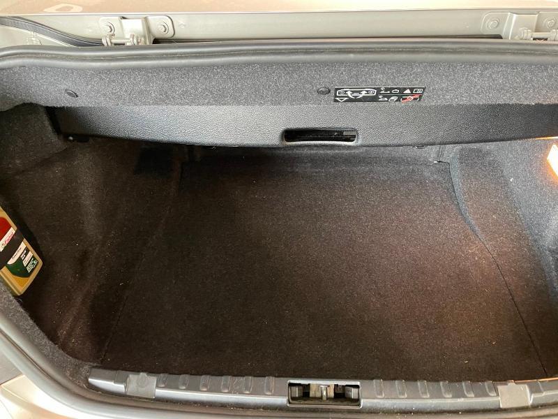 Photo 9 de l'offre de BMW Serie 1 Cabriolet 120dA 177ch Luxe à 11900€ chez Dugast automobiles