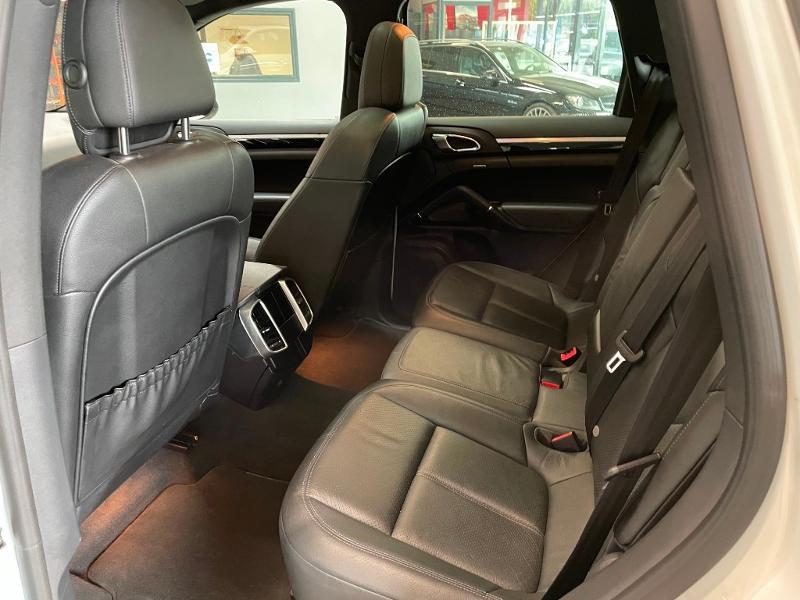 Photo 14 de l'offre de PORSCHE Cayenne Diesel Platinum Edition à 32900€ chez Dugast automobiles
