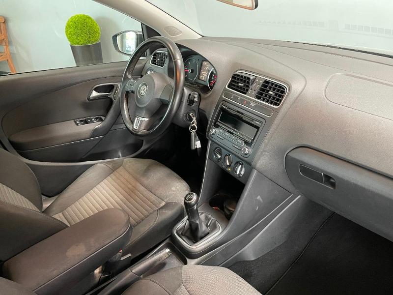 Photo 5 de l'offre de VOLKSWAGEN Polo 1.6 TDI 90ch BlueMotion Technology FAP Confortline 5p à 7500€ chez Dugast automobiles