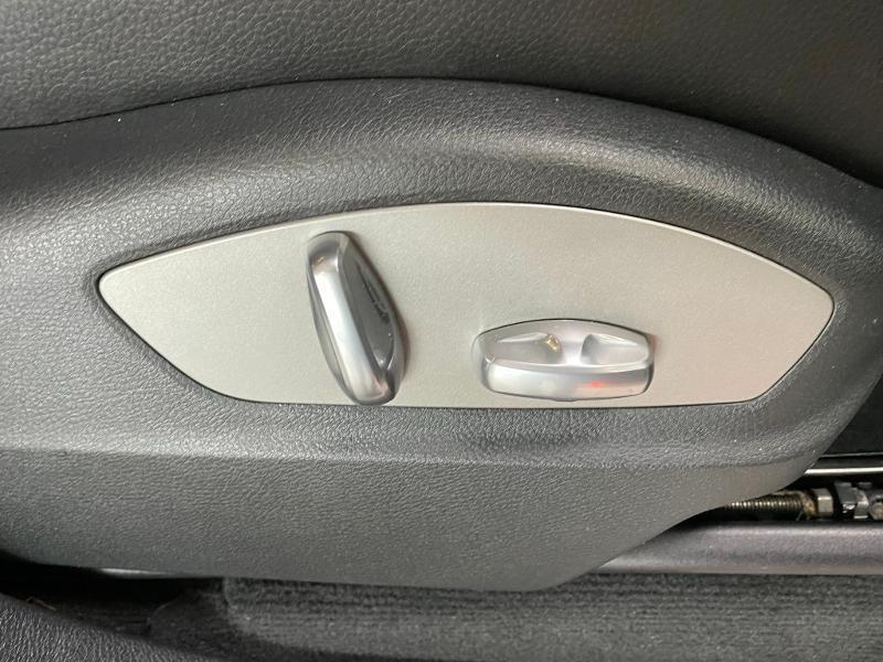 Photo 7 de l'offre de PORSCHE Cayenne Diesel Platinum Edition à 32900€ chez Dugast automobiles
