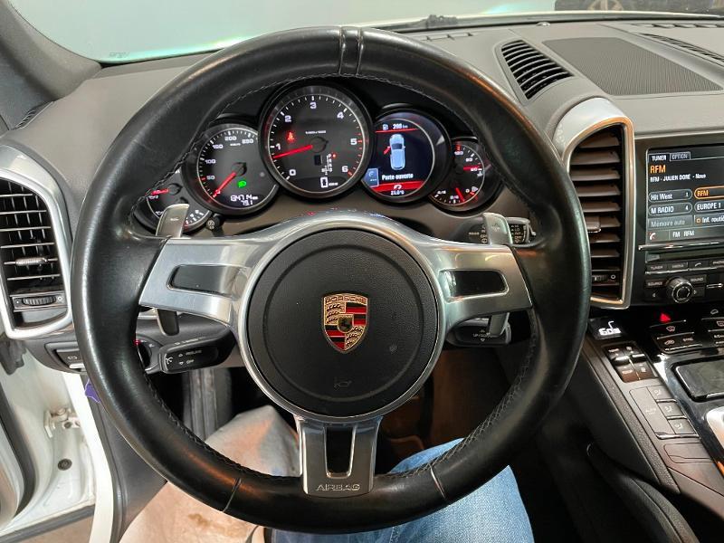 Photo 17 de l'offre de PORSCHE Cayenne Diesel Platinum Edition à 32900€ chez Dugast automobiles