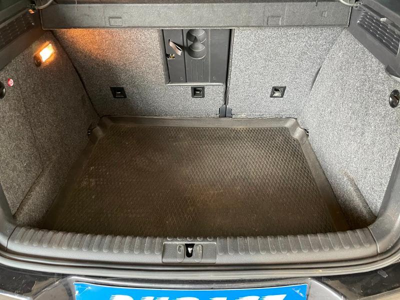 Photo 11 de l'offre de VOLKSWAGEN Tiguan 2.0 TDI 177ch BlueMotion Technology FAP R Exclusive 4Motion DSG7 à 16900€ chez Dugast automobiles