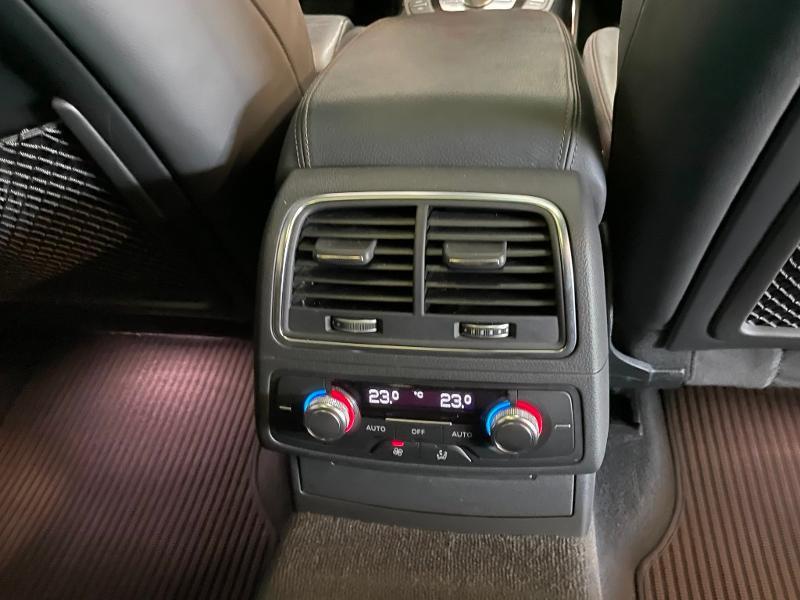 Photo 12 de l'offre de AUDI A6 Allroad 3.0 V6 BiTDI 320ch Avus quattro Tiptronic à 35900€ chez Dugast automobiles