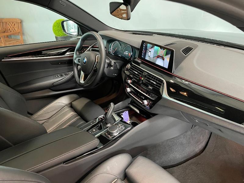 Photo 5 de l'offre de BMW Serie 5 Touring 520dA 190ch Sport Steptronic Euro6c à 37900€ chez Dugast automobiles