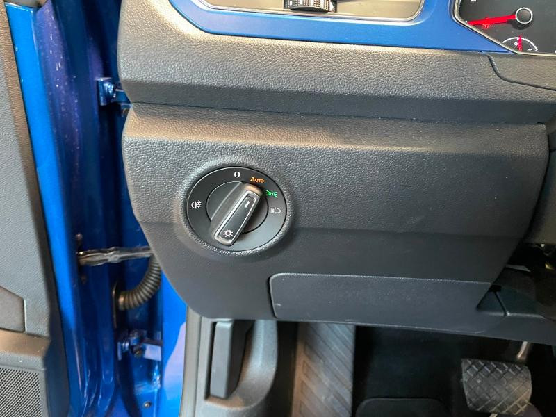 Photo 13 de l'offre de VOLKSWAGEN T-Roc cabriolet 1.5 TSI EVO 150ch style DSG7 Euro6d-T à 31900€ chez Dugast automobiles