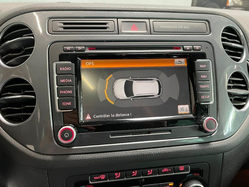 Photo 19 de l'offre de VOLKSWAGEN Tiguan 2.0 TDI 177ch BlueMotion Technology FAP R Exclusive 4Motion DSG7 à 16900€ chez Dugast automobiles