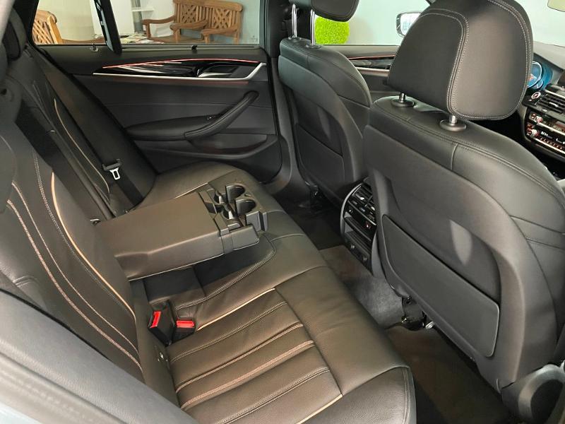 Photo 9 de l'offre de BMW Serie 5 Touring 520dA 190ch Sport Steptronic Euro6c à 37900€ chez Dugast automobiles