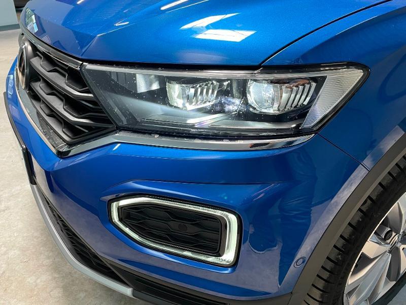 Photo 20 de l'offre de VOLKSWAGEN T-Roc cabriolet 1.5 TSI EVO 150ch style DSG7 Euro6d-T à 31900€ chez Dugast automobiles