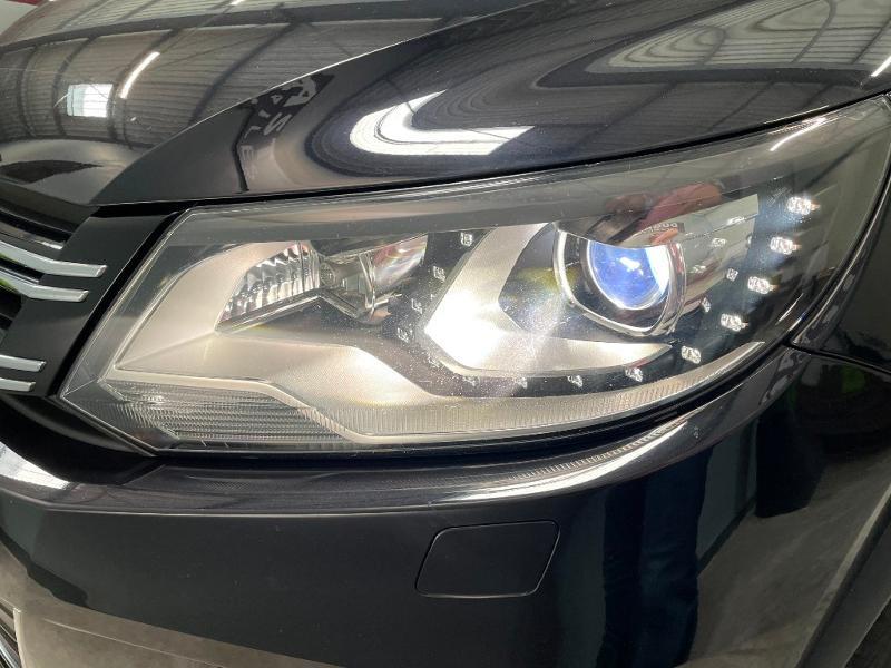 Photo 24 de l'offre de VOLKSWAGEN Tiguan 2.0 TDI 177ch BlueMotion Technology FAP R Exclusive 4Motion DSG7 à 16900€ chez Dugast automobiles
