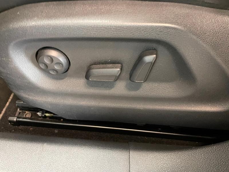 Photo 15 de l'offre de VOLKSWAGEN Tiguan 2.0 TDI 177ch BlueMotion Technology FAP R Exclusive 4Motion DSG7 à 16900€ chez Dugast automobiles