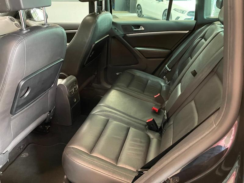 Photo 12 de l'offre de VOLKSWAGEN Tiguan 2.0 TDI 177ch BlueMotion Technology FAP R Exclusive 4Motion DSG7 à 16900€ chez Dugast automobiles