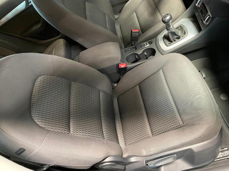 Photo 6 de l'offre de AUDI Q3 2.0 TDI 140ch Business line à 17900€ chez Dugast automobiles