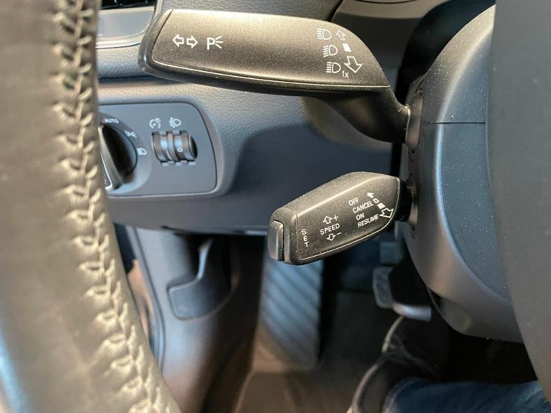Photo 15 de l'offre de AUDI Q3 2.0 TDI 140ch Business line à 17900€ chez Dugast automobiles