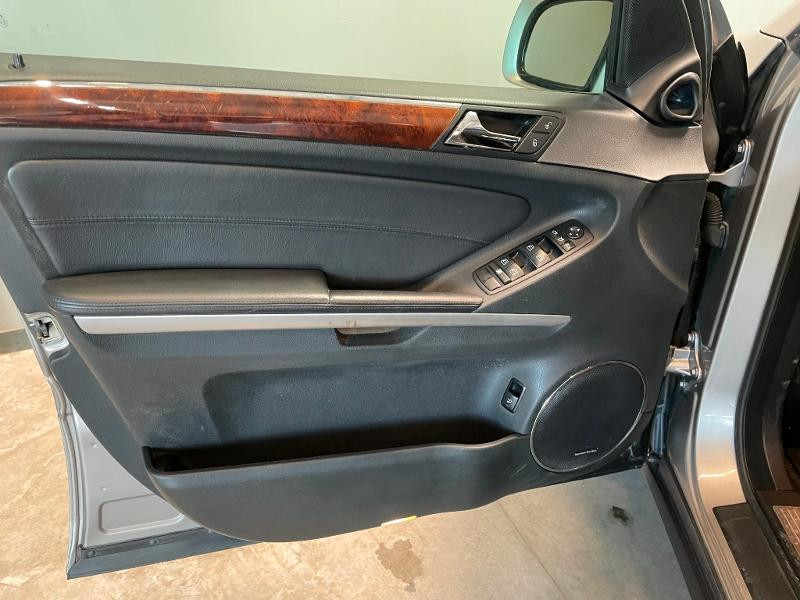 Photo 20 de l'offre de MERCEDES-BENZ Classe GL 500 Pack Luxe 7pl à 23900€ chez Dugast automobiles