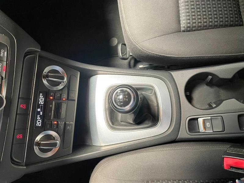 Photo 20 de l'offre de AUDI Q3 2.0 TDI 140ch Business line à 17900€ chez Dugast automobiles