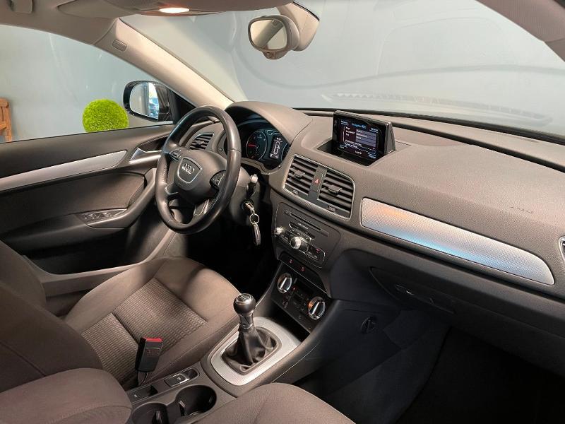 Photo 5 de l'offre de AUDI Q3 2.0 TDI 140ch Business line à 17900€ chez Dugast automobiles