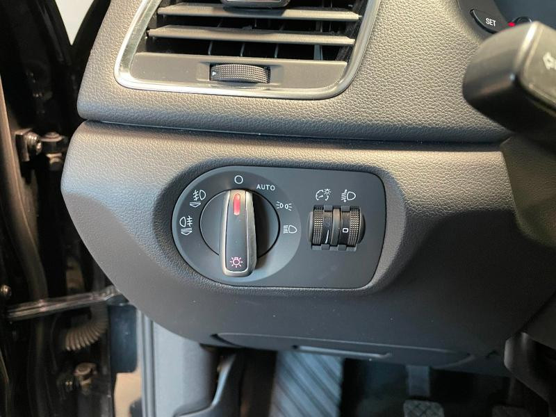 Photo 13 de l'offre de AUDI Q3 2.0 TDI 140ch Business line à 17900€ chez Dugast automobiles
