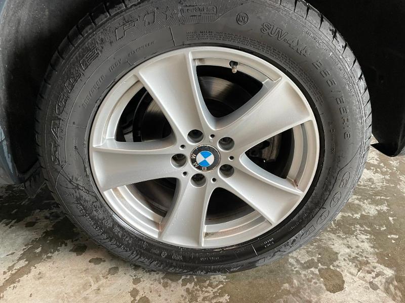 Photo 13 de l'offre de BMW X5 3.0dA 235ch Luxe 7places à 13900€ chez Dugast automobiles