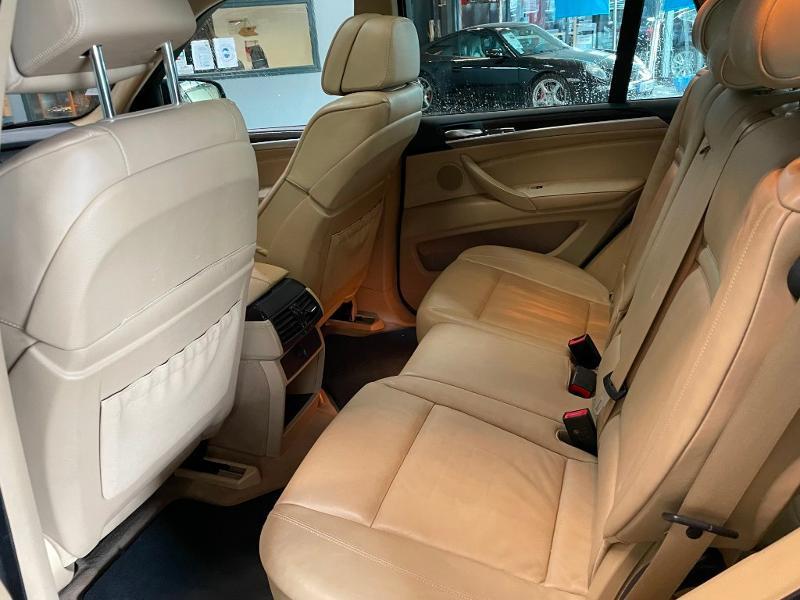 Photo 12 de l'offre de BMW X5 3.0dA 235ch Luxe 7places à 13900€ chez Dugast automobiles