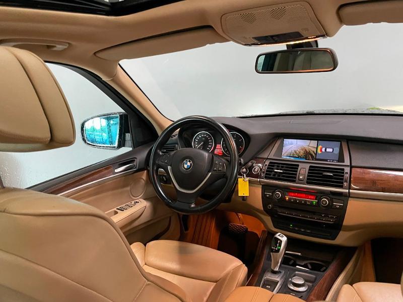 Photo 10 de l'offre de BMW X5 3.0dA 235ch Luxe 7places à 13900€ chez Dugast automobiles