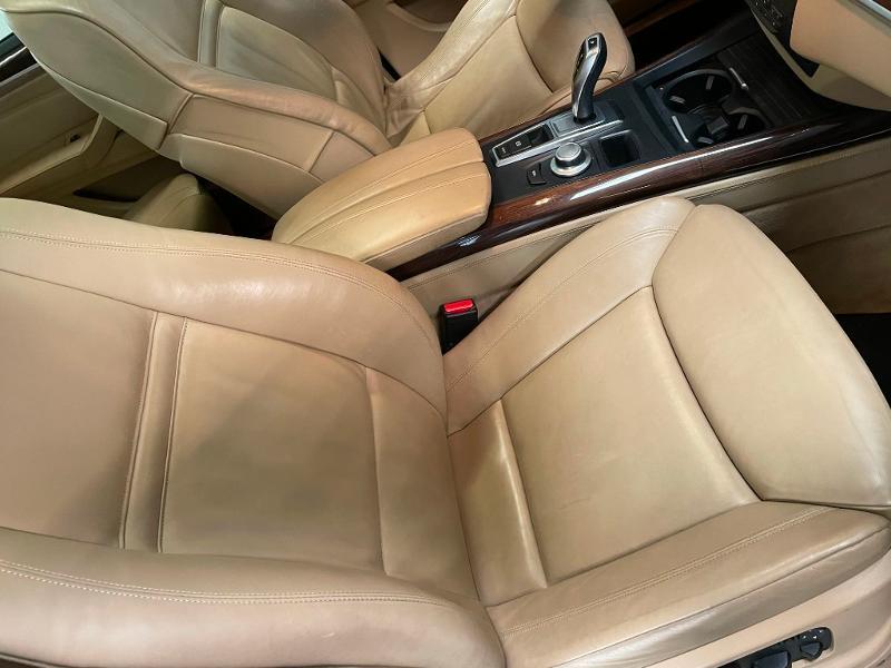 Photo 6 de l'offre de BMW X5 3.0dA 235ch Luxe 7places à 13900€ chez Dugast automobiles