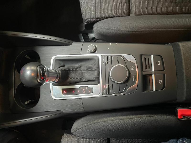 Photo 20 de l'offre de AUDI A3 Berline 1.6 TDI 110ch FAP Ambition S tronic 7 à 17900€ chez Dugast automobiles
