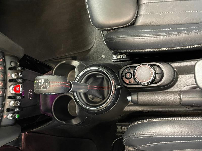 Photo 19 de l'offre de MINI Mini Cooper S cabriolet 192ch John Cooper Works BVA à 25900€ chez Dugast automobiles
