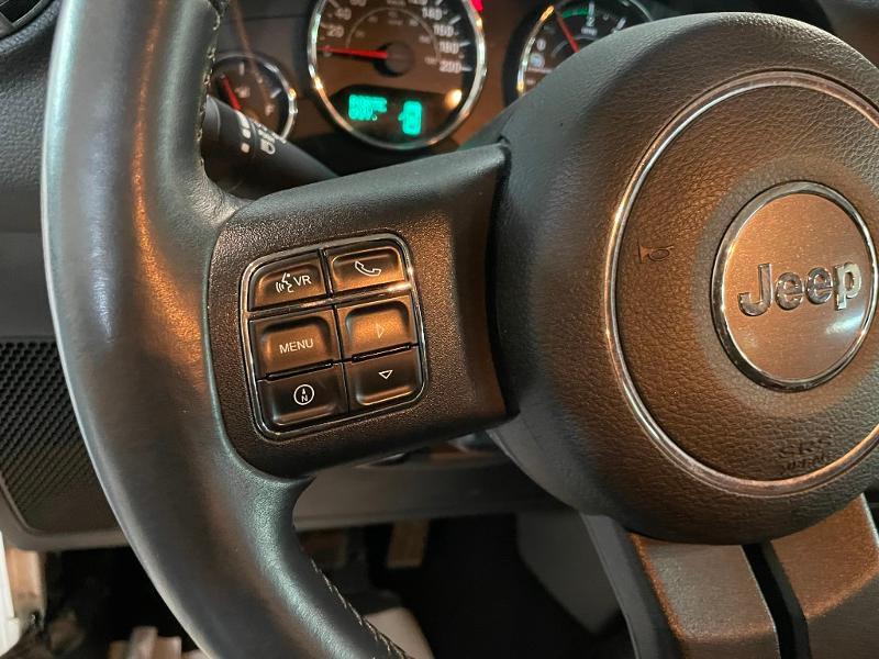 Photo 15 de l'offre de JEEP Wrangler 2.8 CRD 200 FAP Unlimited Sahara à 31900€ chez Dugast automobiles