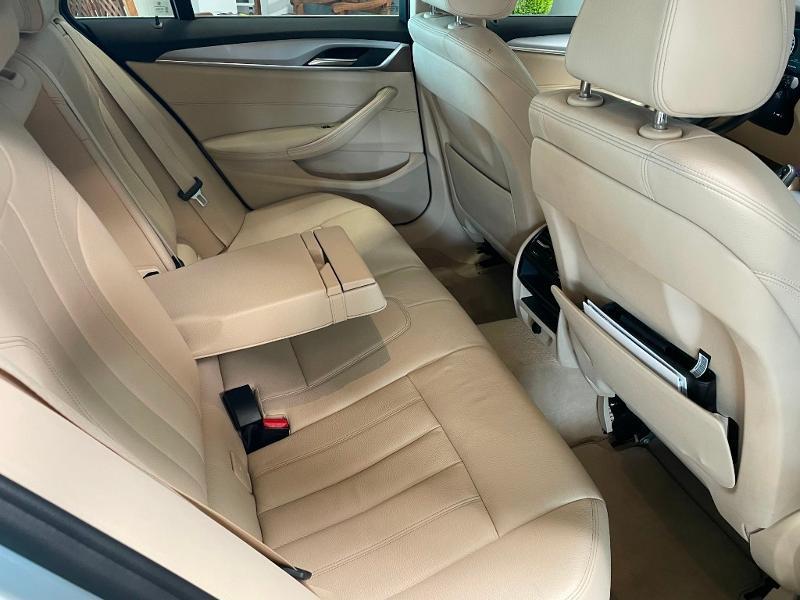 Photo 9 de l'offre de BMW Serie 5 Touring 520dA 190ch Business à 34900€ chez Dugast automobiles