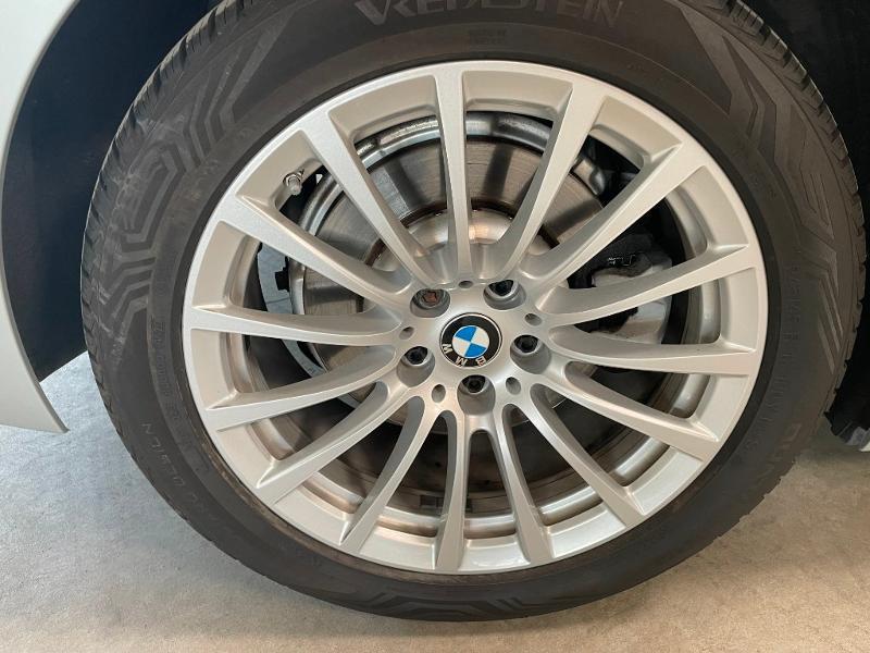 Photo 10 de l'offre de BMW Serie 5 Touring 520dA 190ch Business à 34900€ chez Dugast automobiles