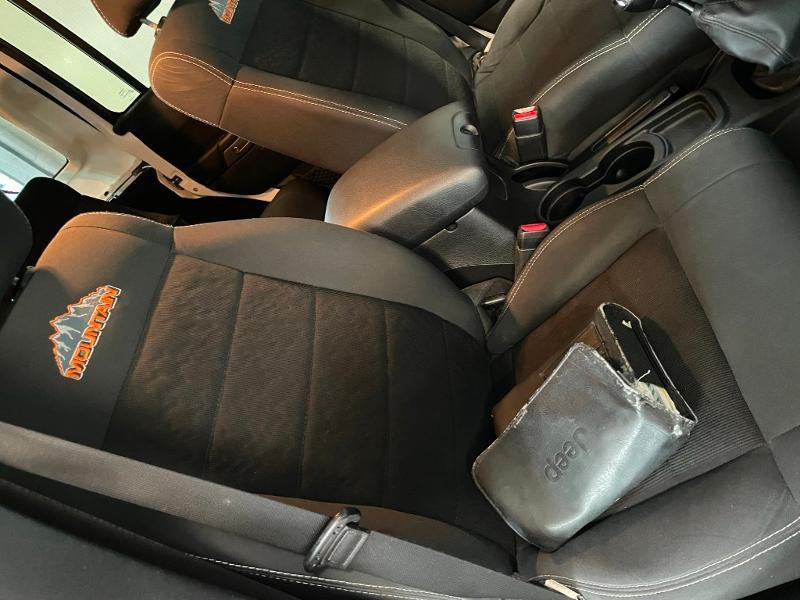 Photo 6 de l'offre de JEEP Wrangler 2.8 CRD 200 FAP Unlimited Sahara à 31900€ chez Dugast automobiles