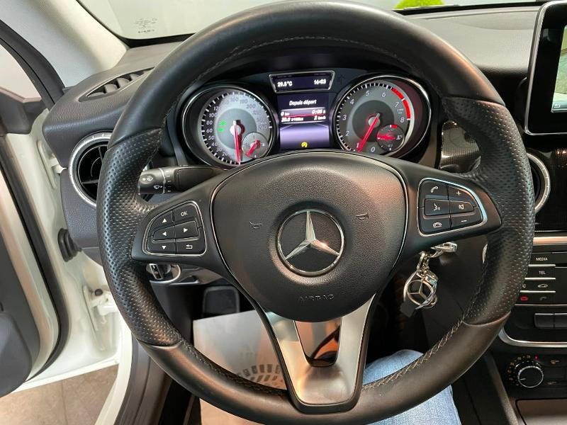 Photo 17 de l'offre de MERCEDES-BENZ CLA 180 Inspiration à 17900€ chez Dugast automobiles