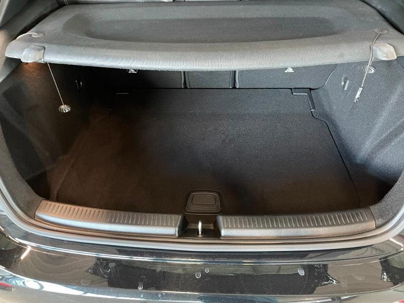 Photo 12 de l'offre de MERCEDES-BENZ Classe A 180 d 116ch Business Line 7G-DCT à 28900€ chez Dugast automobiles