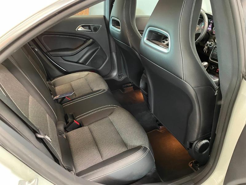 Photo 8 de l'offre de MERCEDES-BENZ CLA 180 Inspiration à 17900€ chez Dugast automobiles