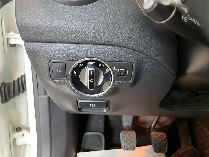 Photo 16 de l'offre de MERCEDES-BENZ CLA 180 Inspiration à 17900€ chez Dugast automobiles