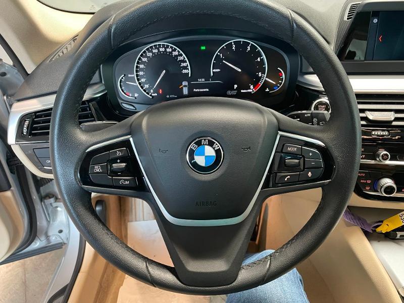 Photo 17 de l'offre de BMW Serie 5 Touring 520dA 190ch Business à 34900€ chez Dugast automobiles