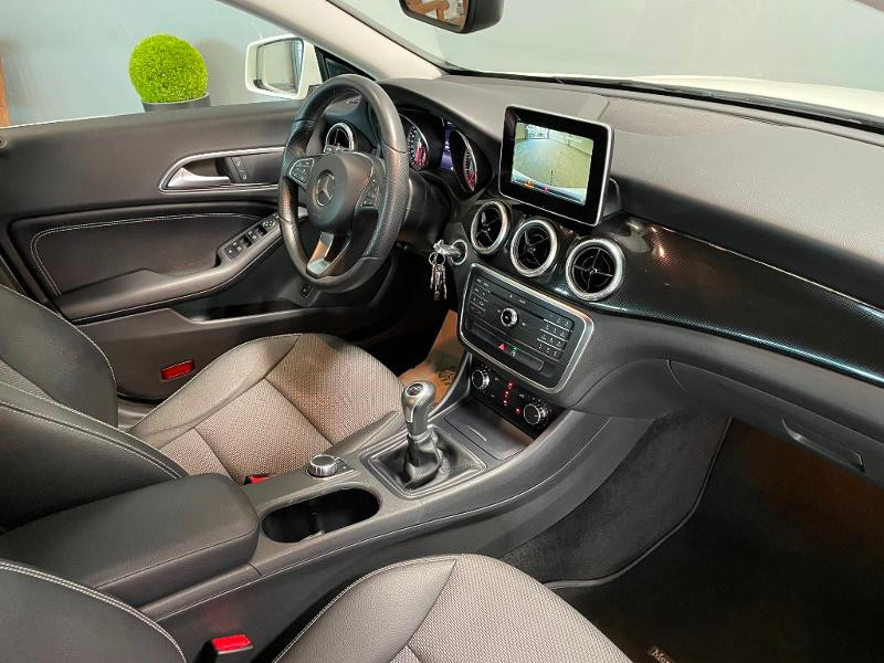 Photo 5 de l'offre de MERCEDES-BENZ CLA 180 Inspiration à 17900€ chez Dugast automobiles