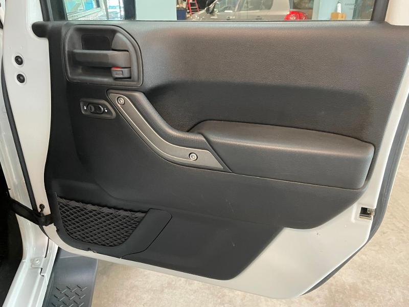 Photo 7 de l'offre de JEEP Wrangler 2.8 CRD 200 FAP Unlimited Sahara à 31900€ chez Dugast automobiles