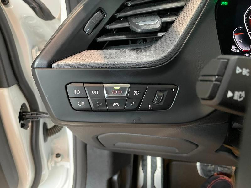 Photo 17 de l'offre de BMW Serie 1 118dA 150ch M Sport 8cv à 34900€ chez Dugast automobiles