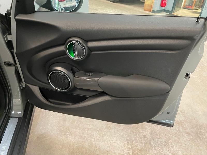 Photo 7 de l'offre de MINI Mini 5 Portes Cooper 136ch Chili à 27900€ chez Dugast automobiles