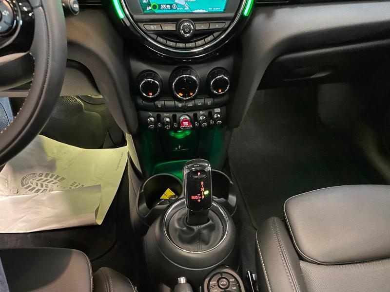 Photo 19 de l'offre de MINI Mini 5 Portes Cooper 136ch Chili à 27900€ chez Dugast automobiles