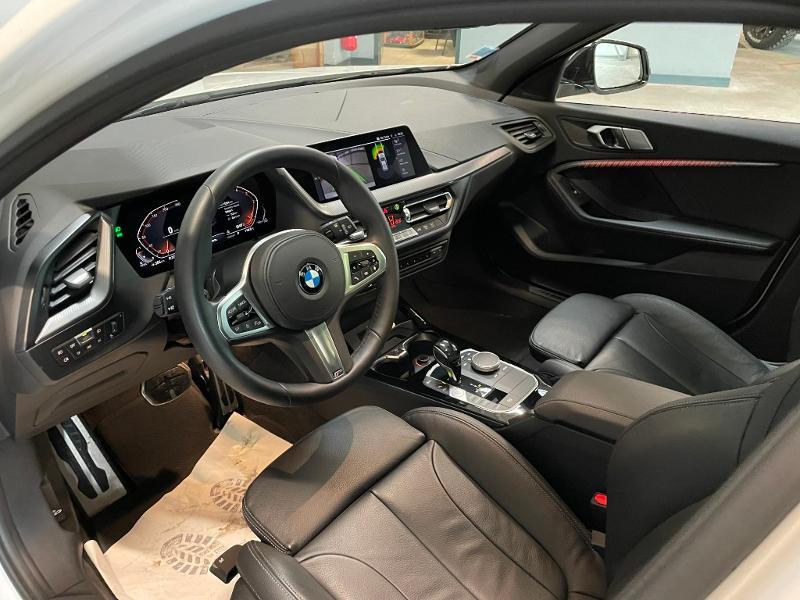 Photo 13 de l'offre de BMW Serie 1 118dA 150ch M Sport 8cv à 34900€ chez Dugast automobiles