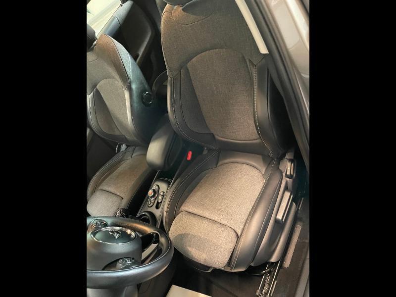 Photo 20 de l'offre de MINI Countryman Cooper D 150ch Business à 17900€ chez Dugast automobiles